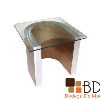 Mesa lateral con cubierta de cristal