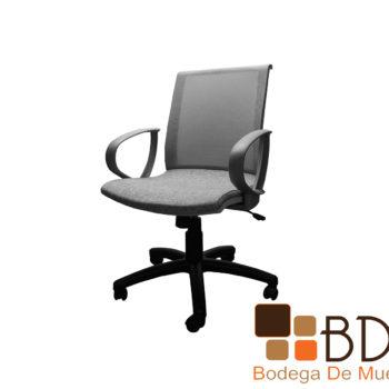 Silla moderna de oficina con asiento de espuma