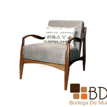 Sillon rustico fino tapizado con respaldo y asiento acojinado