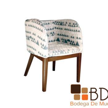 Sillon ocasional de madera tapizado color blanco