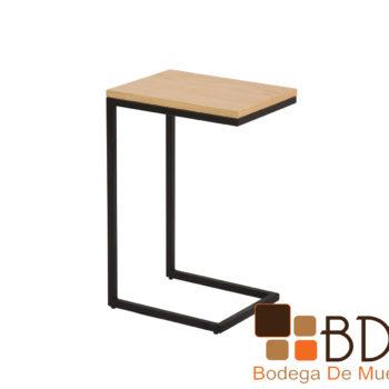 Mesa lateral en color natural con base de metal