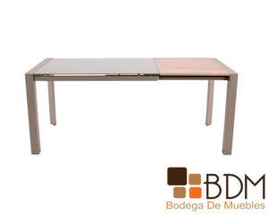Mesa extendible fabricada con madera y cristal