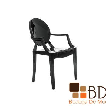 Silla contemporanea de plastico color negro