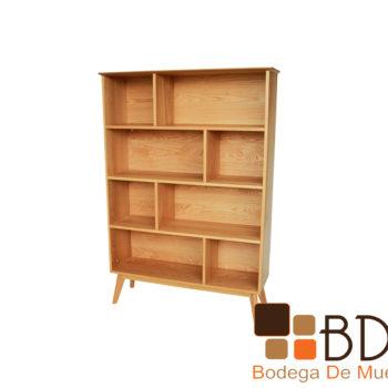 Librero de madera en color natural con divisiones