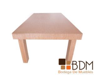 Mesa de comedor fabricada en mdf enchapada de encino