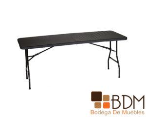 Mesa rectangular plegable con cubierta de plastico tipo rattan