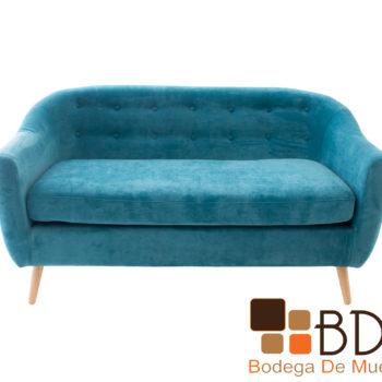 Sofa elegante con patas de madera color natural