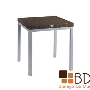 Mesa lateral para exteriores con base de acero