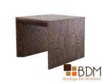 Mesa lateral minimalista de madera para sala