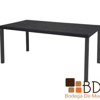 Mesa rectangular para exterior en polipropileno y acero galvanizado